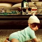 star-baby-crawls-in-crib-rcok