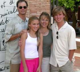 The Osment Clan, Dad Michael, Emily Osment, Mom Theresa and Haley Joel Osment