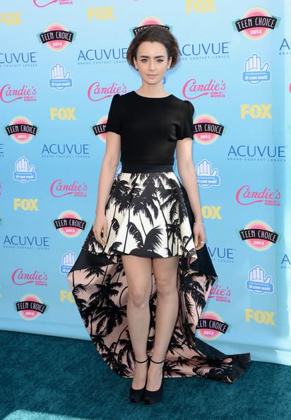 Lily+Collins+Dresses+Skirts+Mini+Skirt+VF2r4NJU-X4l