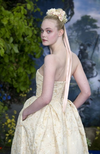 Elle+Fanning+Maleficent+Premieres+London+Part+MBoql2jvGM0l